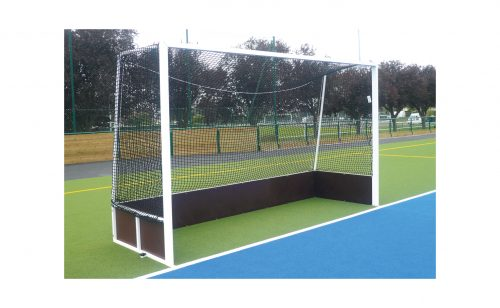 Field hockey cage for competition