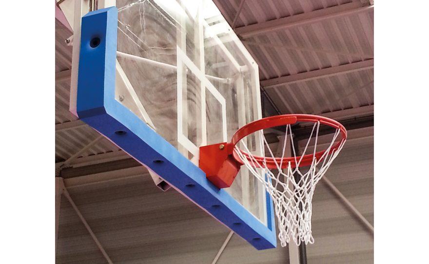 Mousse de protecton pour panneaux de basketball