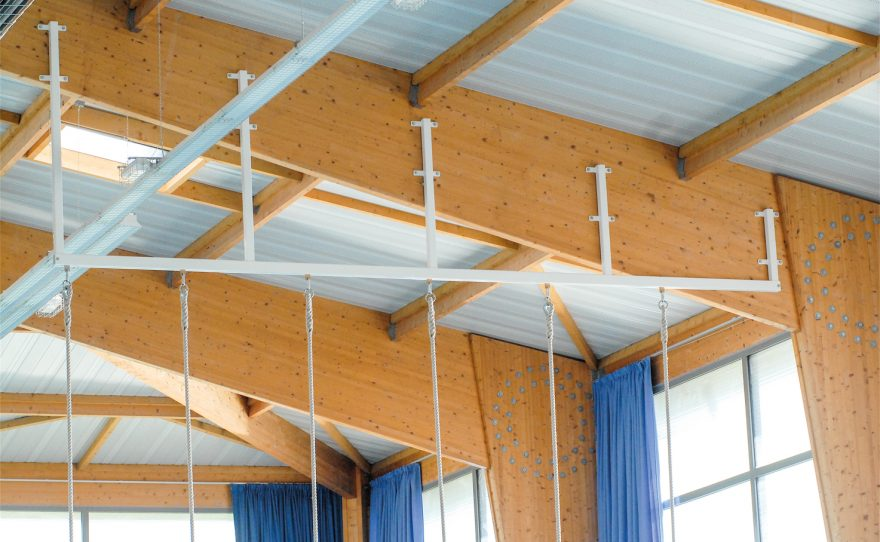 Indoor rail for Metalu Plast climbing ropes