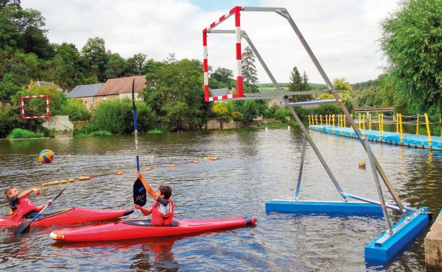 But de kayak polo sur flotteur bleu Metalu Plast équipement sportif