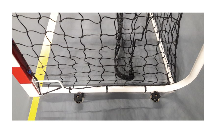 Handball goal anchors adapted to competition Metalu