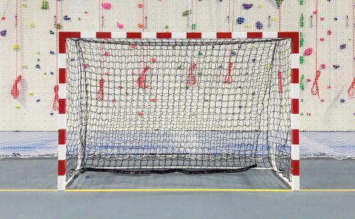 Cage de handball pour la haute compétition avec filet amortisseur Metalu Plast