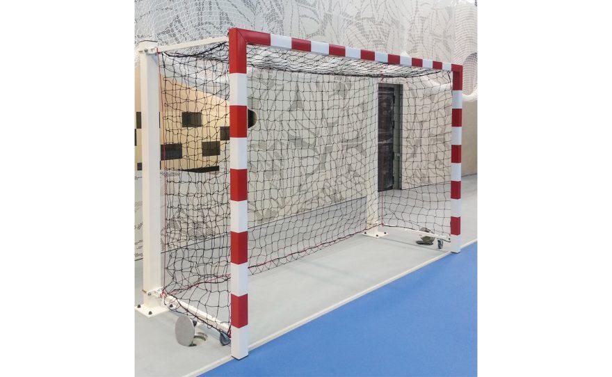 Cage de hand pour compétition rabattable sur poteaux Metalu Plast