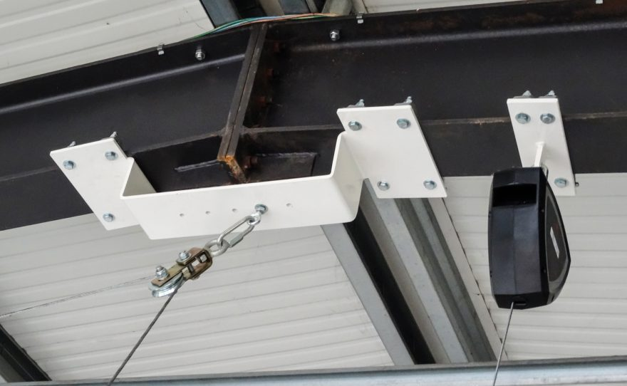 Detail fixation of a roof-mounted basketball goal Metalu Plast french manufacturer of sports equipment