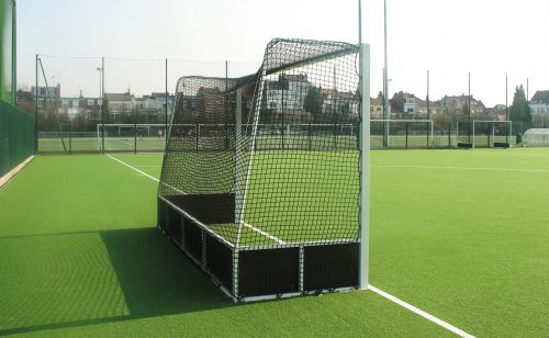 field hockey net made by Metalu Plast sports equipment