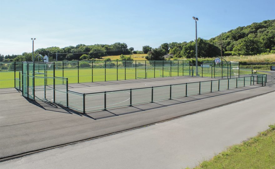 Multi-sport pediment hérouville field with plastic-coated steel structure custom-made to your request