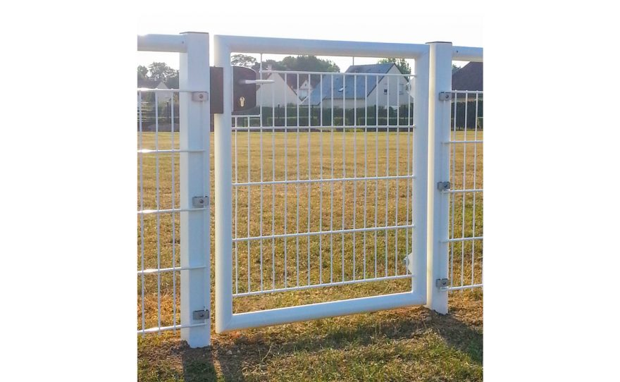 White single door gate in welded mesh wire Metalu Plast
