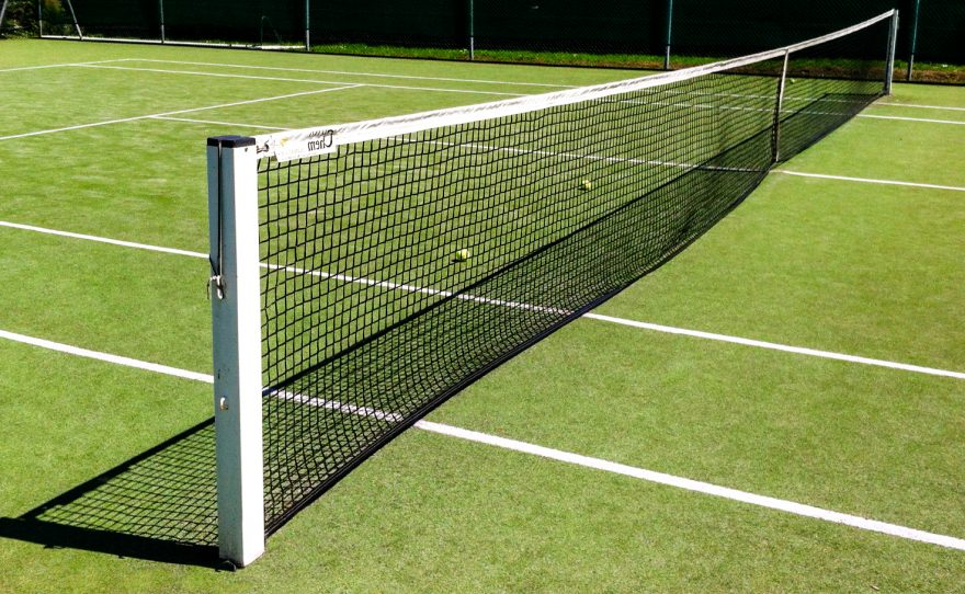 Aluminium square posts for tennis to be sealed