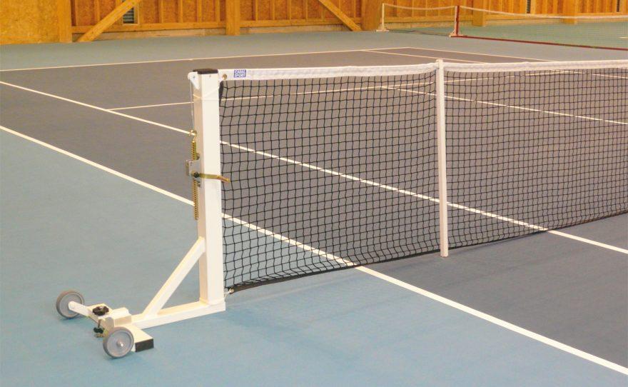 Poteau de tennis carré mobile à sceller avec roues de transport Metalu Plast
