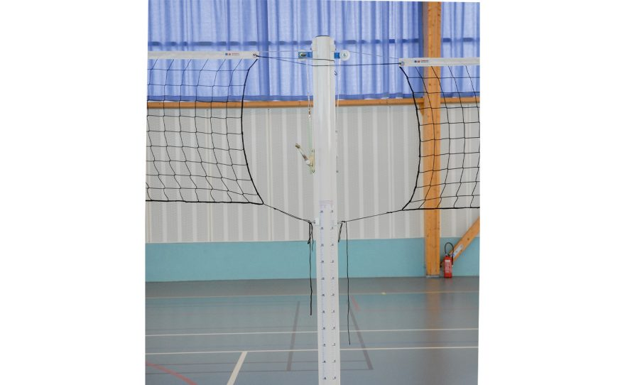 Central steel post for volleyball training