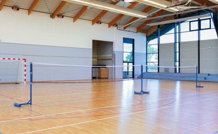 Badminton posts for training with double court in gymnasium Metalu Plast