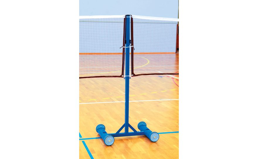 Central badminton posts for training with ballast base
