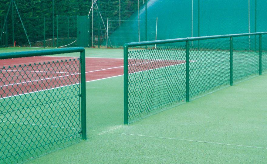 Séparation de terrain Metalu Plast pour terrain de tennis