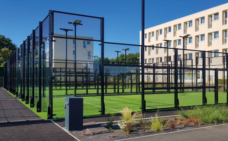 Terrains de padel tennis multiple en ville de Metalu Plast