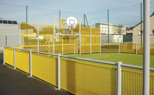 City stade sur mesure en acier plastifié - panneaux caillebotis